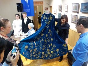 Презентация платья Шевелевой